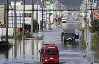 Japonya'da Lupit tayfunu sonrası 235 bin kişiye...
