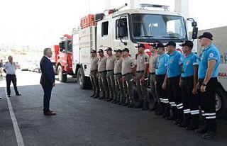 Sivil Savunma Ekibi Türkiyedeki yangınlara müdahale...