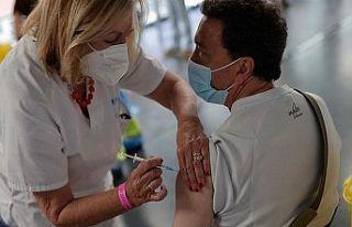 Slovakya'da Kovid-19 aşılarına teşvik için...