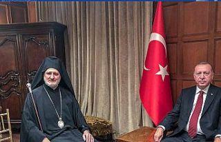 Anastasiadis, Tatar ve Erdoğan'la poz veren Elpidoforos...
