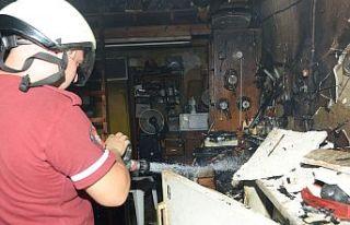Elektrik kontağı evi yakıyordu