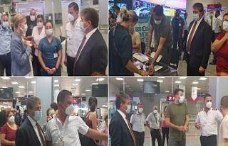 Ünal Üstel, Ercan Havalimanı'nda AdaPass uygulamasıyla...