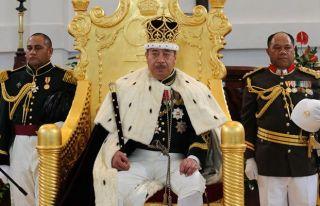 Tonga kralı parlamentoyu feshetti