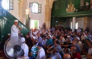 Yüzlerce kişi Hala Sultan'ı ziyaret etti