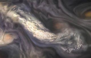 NASA, Jüpiter'deki sıra dışı bulutları görüntüledi