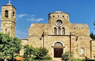 Rumlar St. Barnabas Manastırı'nda ayin yaptı