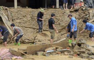 Vietnam'da sel: 15 ölü