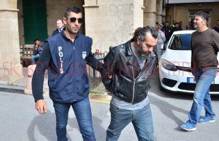 Sahte pasaportla Güney Kıbrıs'a gideceklerdi