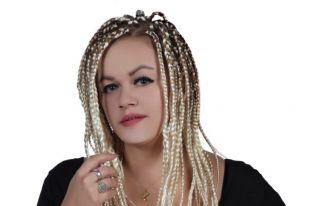 Ezgi Özcan'dan engellilere destek