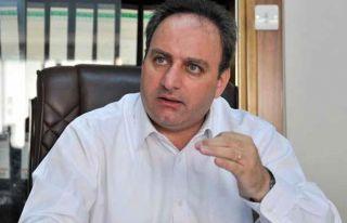 Stefanu: AKEL'in önceliği Kıbrıs sorunu
