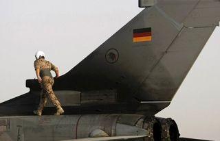 Alman ordusundan 10 yılda 199 aşırı sağcıya...