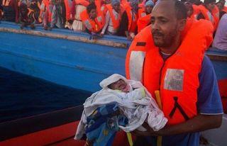Türk gemisi, Akdeniz'de 75 mülteci kurtardı