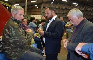 Çiftçiler CYPFRUVEX ve TÜK'ü ziyaret etti