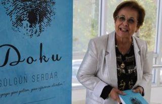 Gülgün Serdar, tanıtım ve imza gününde okuyucularıyla...