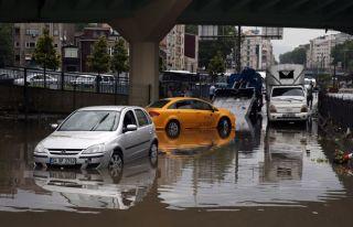 İstanbul sağanağa teslim