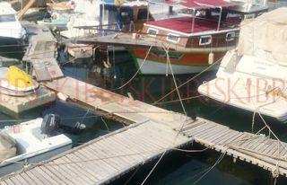 Antik Liman  dökülüyor