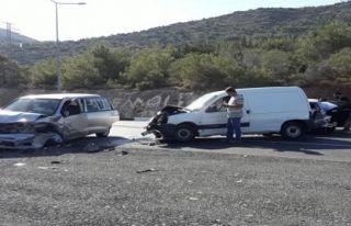 5 araç birbirine girdi: 3 yaralı