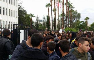 Öğrenciler serbest bırakıldı