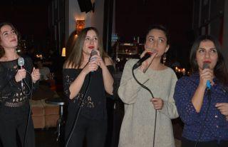 Karaoke gecelerine ilgi var