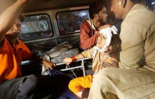 IŞİD Pakistan'da türbeye saldırdı: 43 ölü
