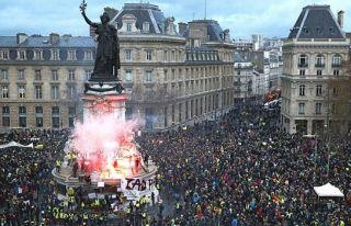 Fransa'daki gösterilerde 4 bin 99 gözaltı