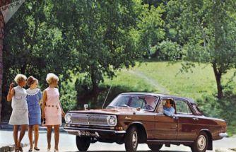Sovyet yapımı efsane otomobillerin göz alıcı reklamları