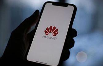 Teknoloji devleri Huawei ile bağlarını koparıyor!