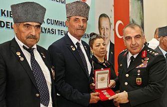 Diyarbakır'da 120 Kıbrıs gazisine madalya ve berat
