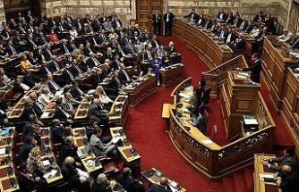 Yunanistan'da hükümet güven oyu aldı
