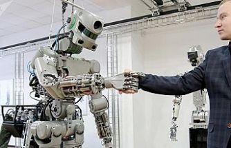 Rusya'nın uzaya gönderdiği ilk insansı robot yola çıktı