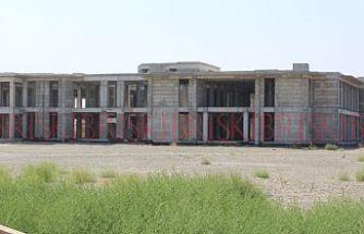 Atıl kalan Güzelyurt yeni hastane binasında, seks partisi yapılıyor
