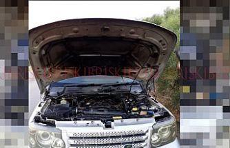 Bir araç yangını daha!  Seyir halindeki araç çıkan yangında zarar gördü