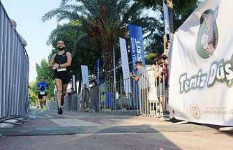 Lefkoşa Turkcell ile koşuyor Maratonu'nun 10 ile 21 km sonuçları açıklandı