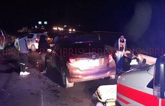 SON DAKİKA! 2 ayrı kazada 7 araç hasar gördü: Yaralılar var!
