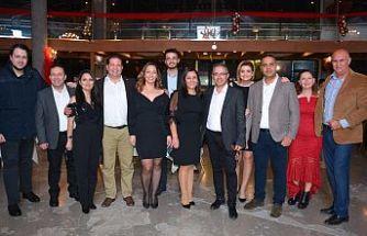 Gazeteciler, yeni yılı erken kutladı