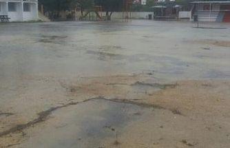 """""""Şiddetli yağışlar nedeniyle bazı okullar maddi manevi zarar gördü"""""""