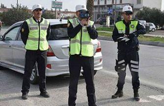 Trafik denetimlerinde 1247 araç çeşitli suçlardan rapor edildi