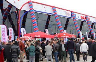 İR-MAR Süpermarket açıldı
