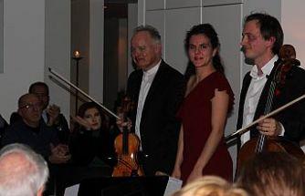 Piyanist Dörken, kemancı Schröder ve çellist Kloeckner'den muhteşem performans