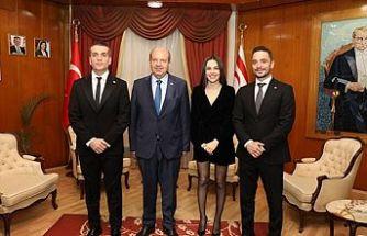 """Tatar, """"Baba Parası"""" filminin başrol oyuncuları ve beraberindeki heyeti kabul etti"""