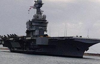 Fransız uçak gemisi Limasol limanına demirledi