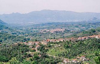 İtalyan kasabası ailesiyle gelenin kirasını ödeyecek