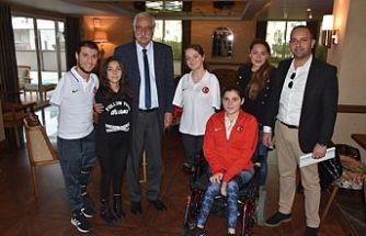 Paralimpik Yüzme Milli Takımı Girne'dekamp yaptı