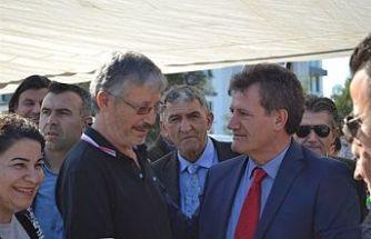 YDP Genel Başkanı Arıklı, Girne Çarşamba Pazarı'nı ziyaret etti