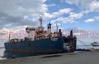 Enfekte olmak istemeyen gümrükçüler Gazimağusa Limanı'nda eylem yaptı