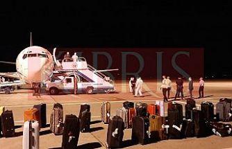 İngiltere'den gelen uçak Ercan'a indi