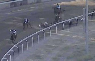 Güney'de hipodromda kaza: 3 Jokey yaralandı, 2 at uyutuldu