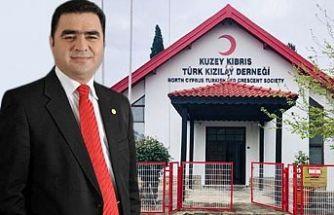 Kuzey Kıbrıs Türk Kızılayı Derneği'nde başkanlığa Sezai Sezen seçildi