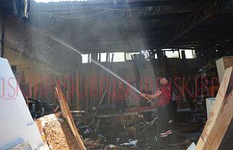 Lefkoşa'da bir iş yerinde yangın!