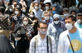 İran'da Kovid-19 nedeniyle bir günde 132 kişi daha hayatını kaybetti
